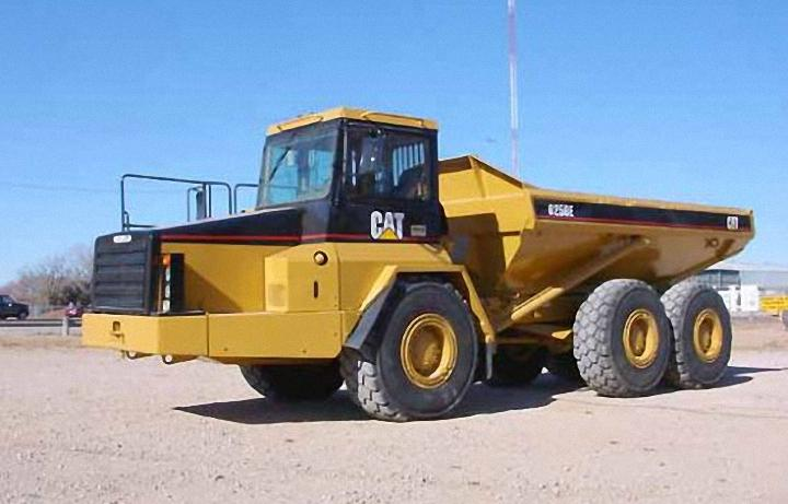 1997 Caterpillar D250E Truck Picture