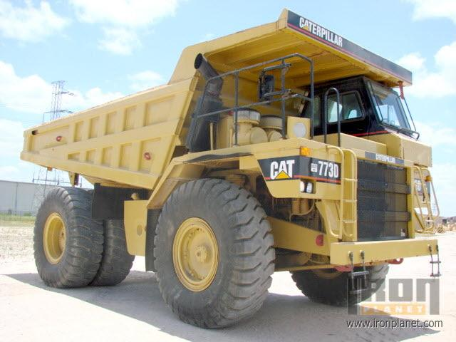 Front Right 1998 Caterpillar 773D Truck Picture