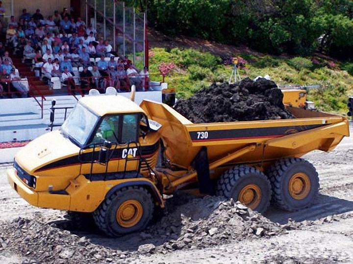 2005 Caterpillar 730 Demo Truck Picture