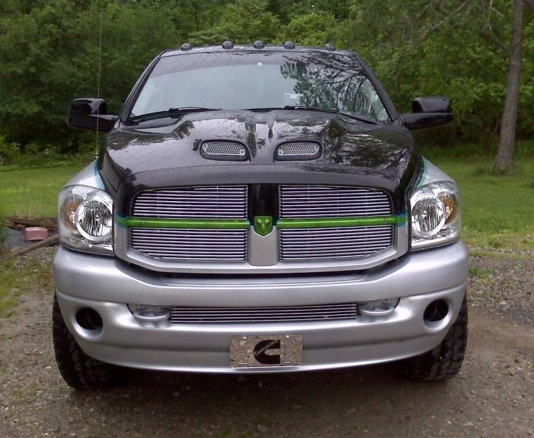 Front View 2008 Dodge Ram 2500 Truck Picture
