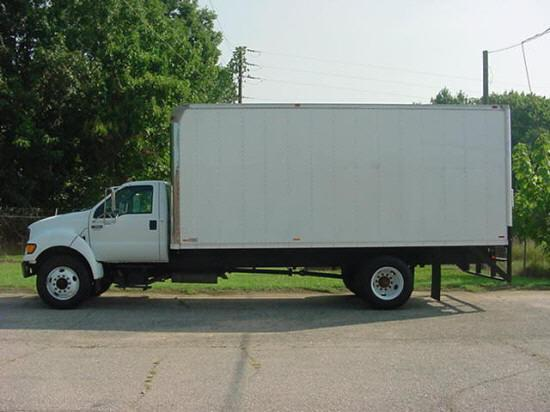 Left Side White 2000 Ford F650 Truck Picture