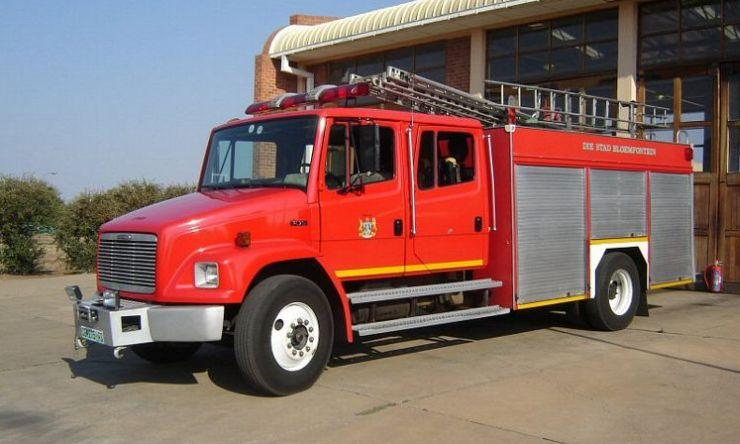1995 Freightliner VL70 Fire Truck Picture