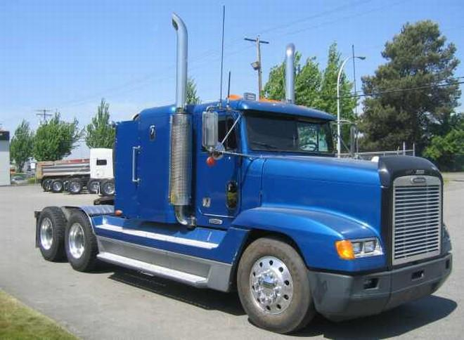 1999 Freightliner FLD Truck Picture