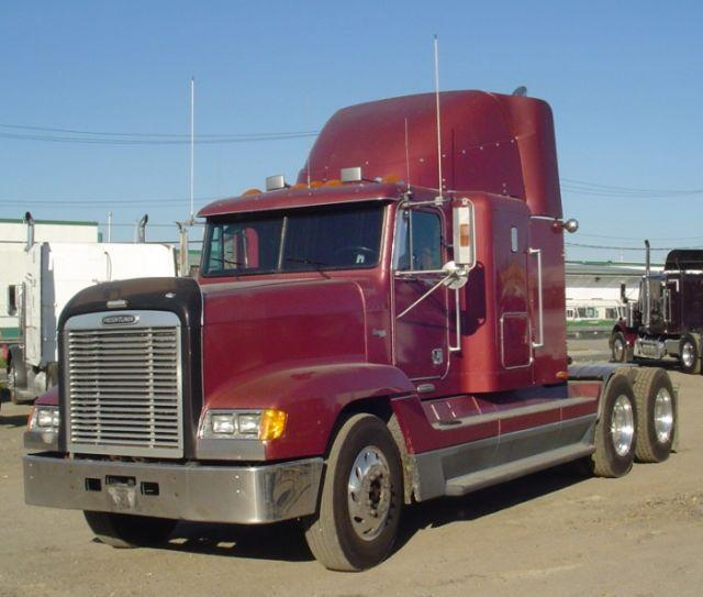 2000 Freightliner FLD120 Truck PIcture