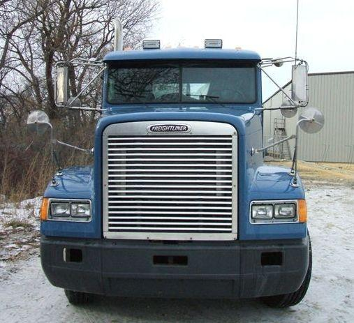 2000 Freightliner FLD129 Truck Picture