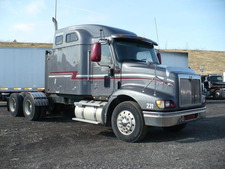 Front Right Gray 2003 Freightliner Columbia CL120 Truck Picture
