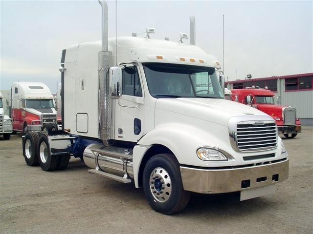 2007 Freightliner CL120 Truck Picture