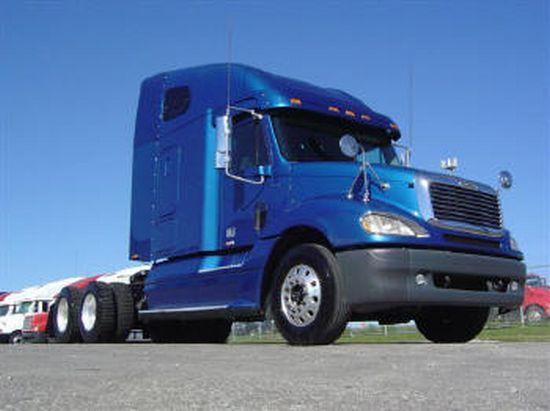 2002 Freightliner Columbia Truck Picture
