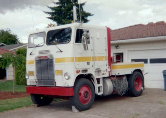 Freightliner Pickup Truck Picture4