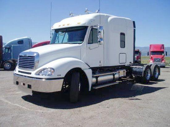 2006 Freightliner CL120 Truck Picture