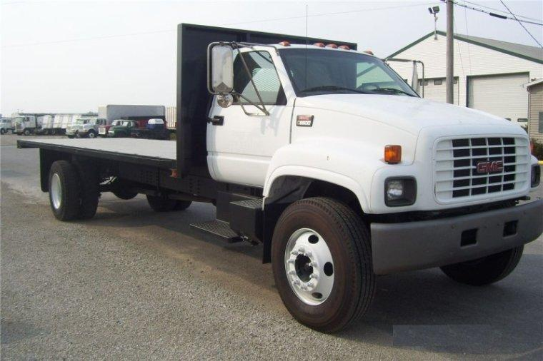 2002 GMC 6500 Truck Picture