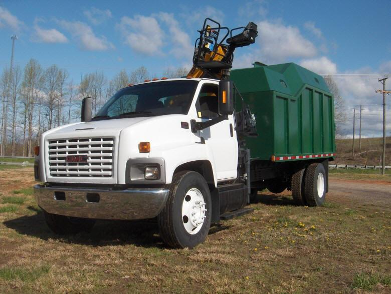 Front Left 2003 GMC C-6500 Truck Picture