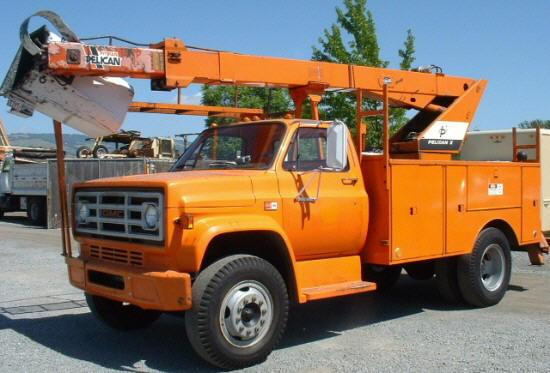 Front Left Orange 1983 GMC 7000 Truck Picture