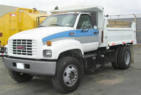 Front Left White 2000 GMC C7500 Truck Picture
