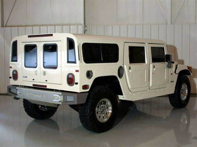 Rear Right White 2005 Hummer Truck Picture