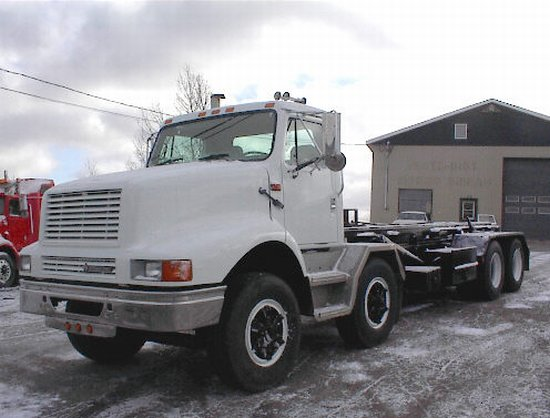 2000 International 2674 Truck Picture