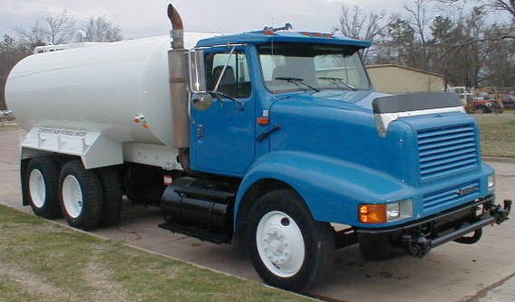 1996 International 8200 Water Truck Picture