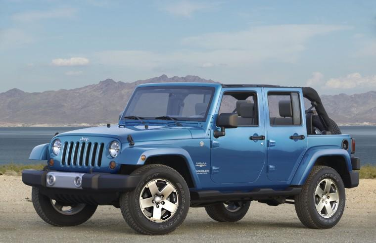 Front Left 2010 Jeep Wrangler Unlimited Truck Picture