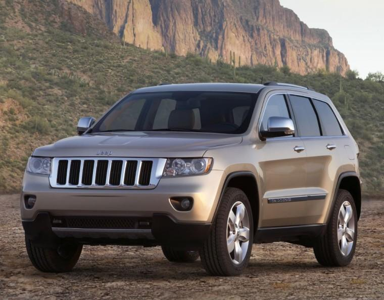 Front Left 2011 Jeep Grand Cherokee Truck Picture
