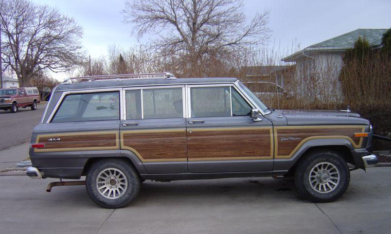 1990 Jeep Grand Wagoneer Truck Picture