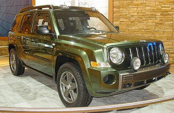 Front Right Green 2005 Jeep Patriot Concept Truck Picture