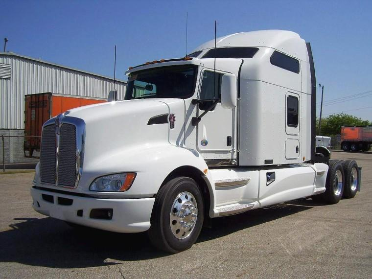 Front Left White 2011 Kenworth T660 Truck Picture