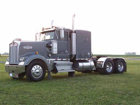 1997 Kenworth W825 Truck Picture