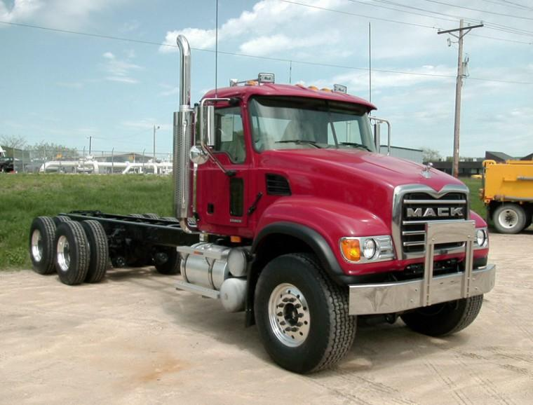 Front Right 2007 Mack CV713 Truck Chasis Picture