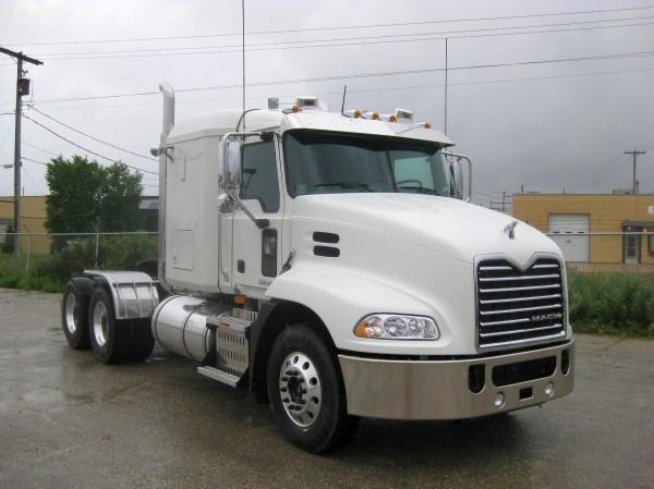 Front Right White 2010 Mack CXU613 Truck Picture
