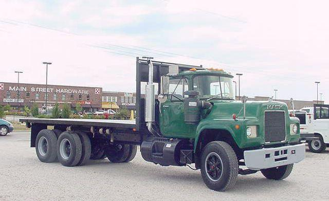 1984 Mack R686 Flat Bed Truck Picture