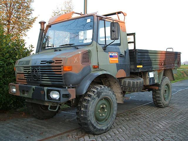 Front Left 1980 Mercedes-Benz Unimog Truck Picture