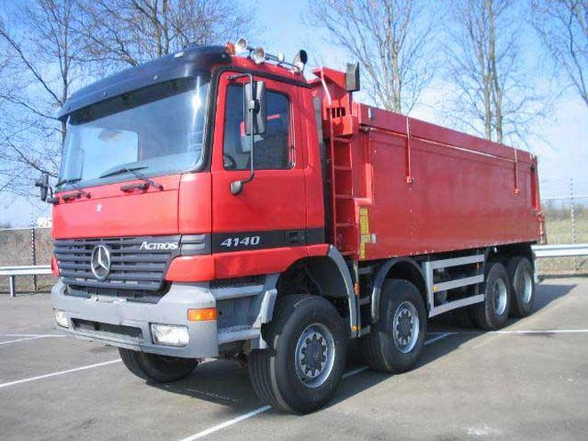 2000 Mercedes-Benz 4140 Truck Picture