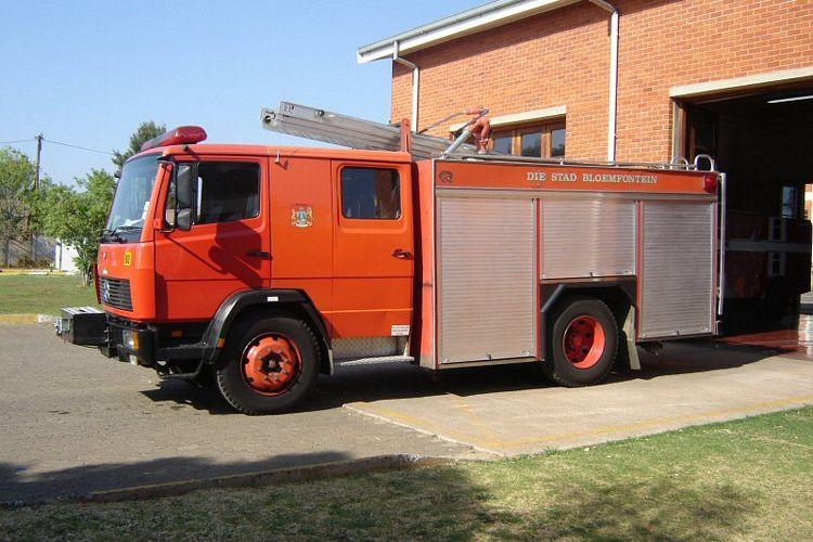 1993 Mercedes-Benz Fire Truck Picture