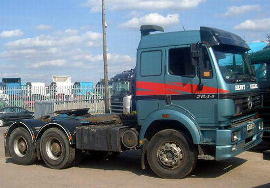 Mercedes-Benz 2644 Truck Picture