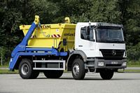 Front Right 2009 Mercedes-Benz 1833 RefuseTruck Picture