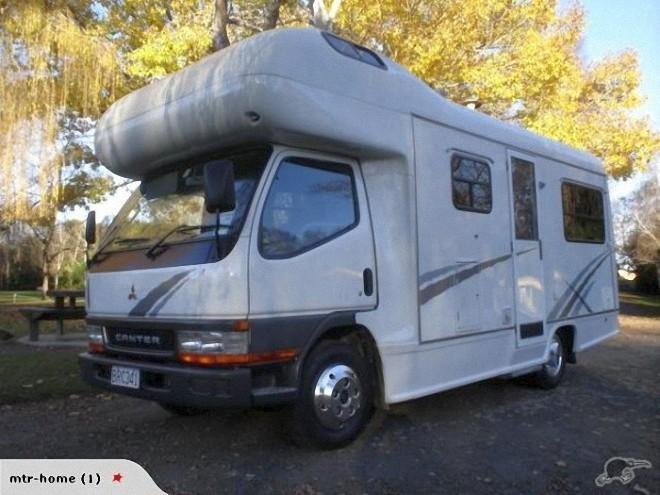 Front Left White 2003 Mitsubishi 6 Berth Canter Truck Picture