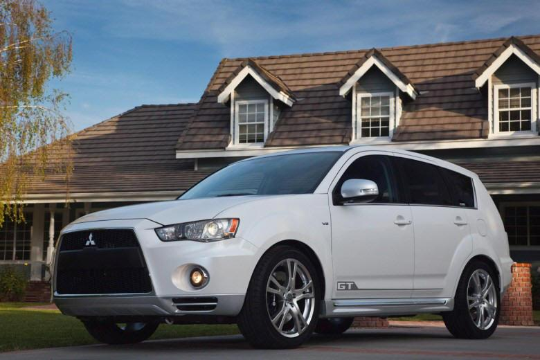 Front Left 2010 Mitsubishi Outlander GT CUV Picture