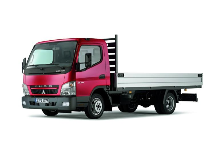 Front Left 2010 Mitsubishi Fuso Canter 6C18 Truck Picture