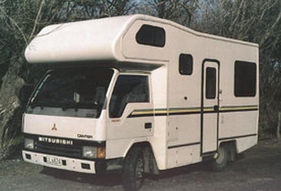 Mitsubishi Canter Four Berth