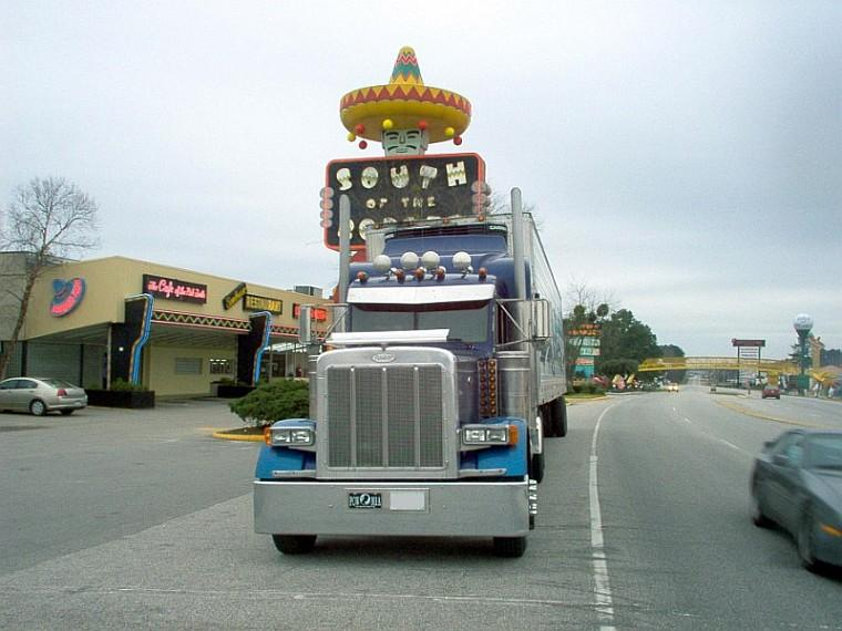 Front view blue 1999 Peterbilt 379 EH Classic Truck Picture