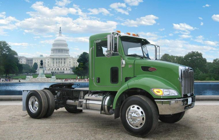 Front Right 2008 Peterbilt 335 Electric Hybrid Truck Picture