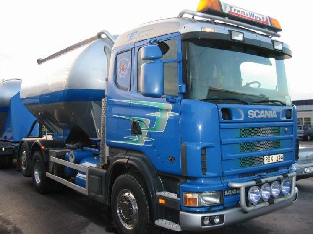 2000 Scania 144GB Truck Picture