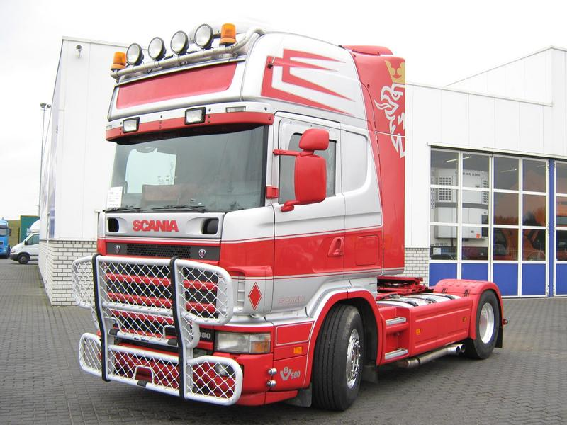 Front Left 2004 Scania R164L Truck Picture