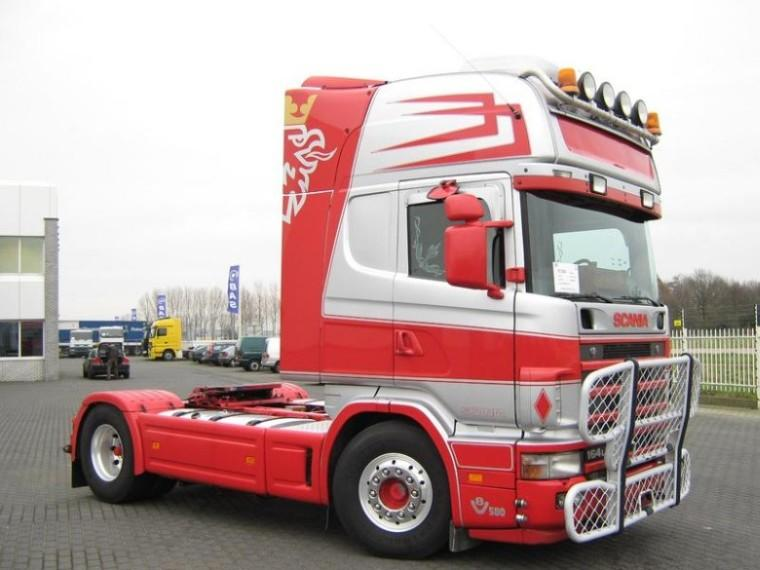 Front right 2004 Scania R164L 580 Truck Picture