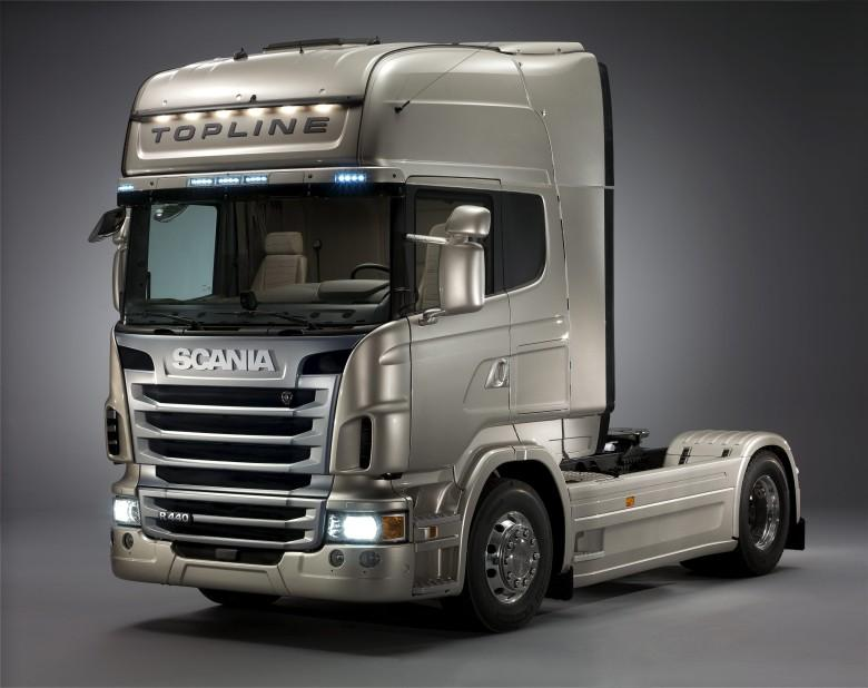 Front Left 2010 Scania R-620 Truck Picture
