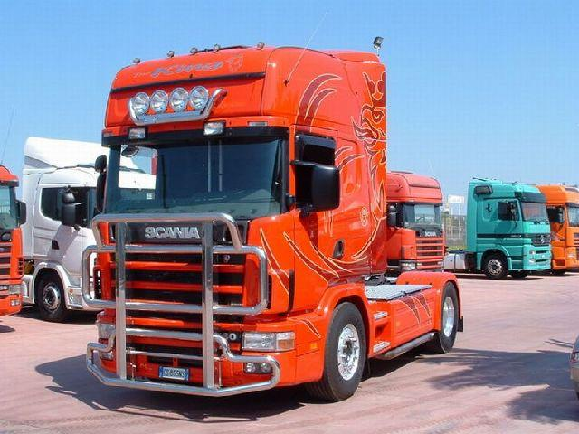 Front left red 1998 Scania 114L Truck Picture
