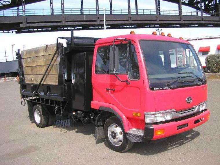 2003 UD Nissan 1800 Truck Picture