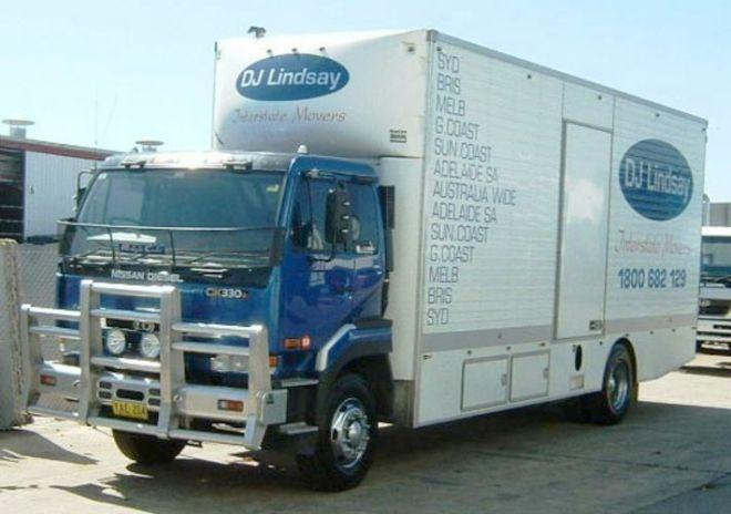2005 CD Nissan CK330 Truck Picture