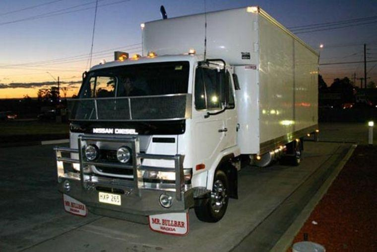 2005 UD MK Truck Picture