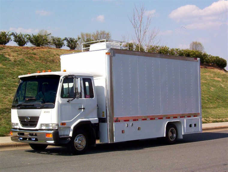 Front Left 2007 UD Nissan 2000 Box Truck Picture